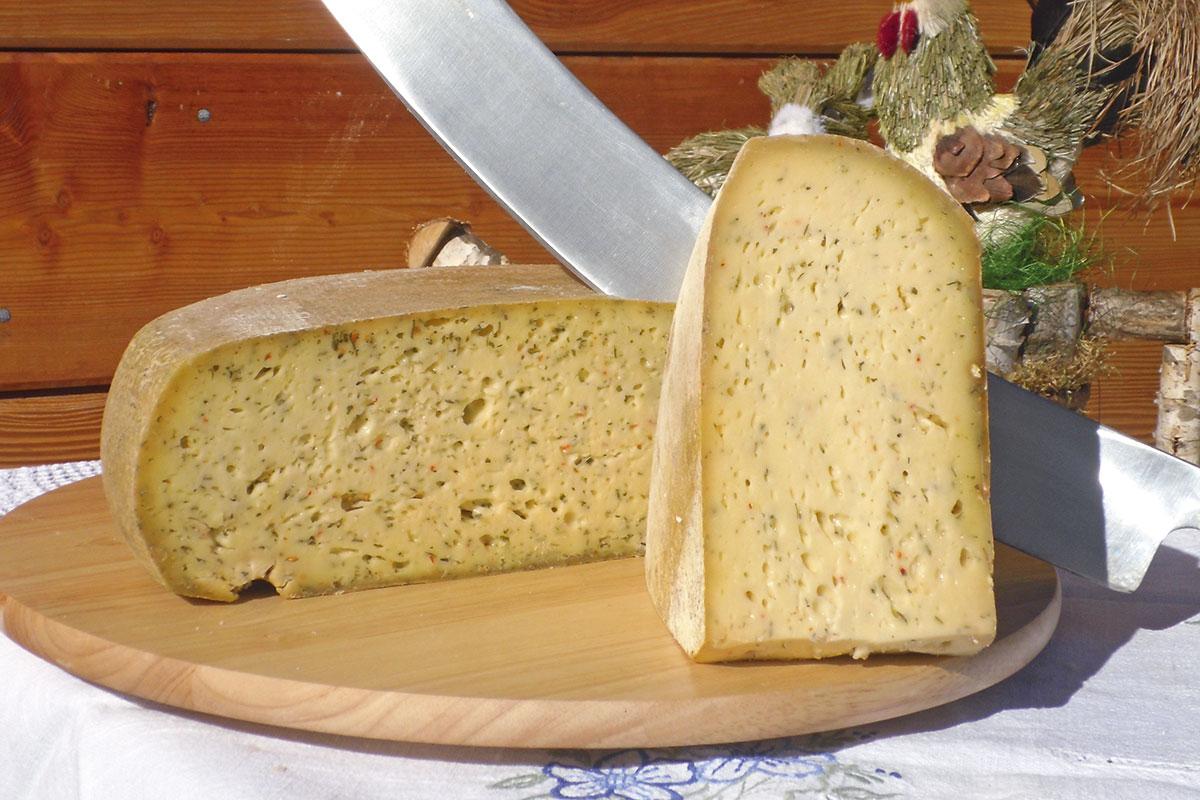 Kräuterkäse - Hofeigene Produkte auf der Loosbühelalm